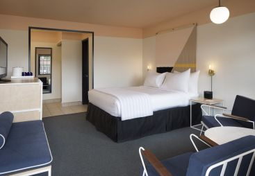 Standard and Deluxe Guest Rooms